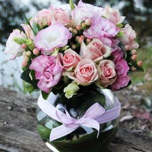 pink-flower-vase-brisbane